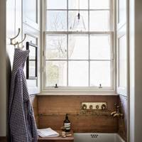 Butler Sink | Bathroom Design Ideas