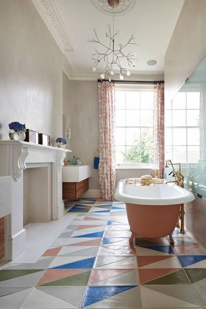 Coloured tiles and matching bath