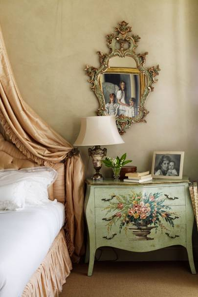 Romantic Traditional Bedroom