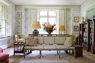 Antique Furniture & Wallpaper| Country Living Room Ideas