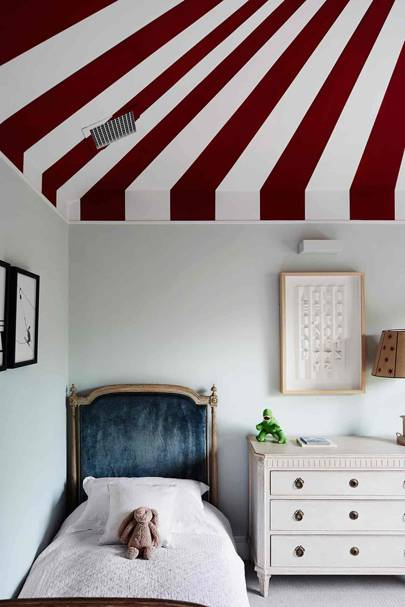 Kid's Bedroom with Circus Ceiling | Bedroom Design Ideas