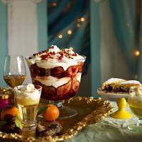 Decorate your table with dessert