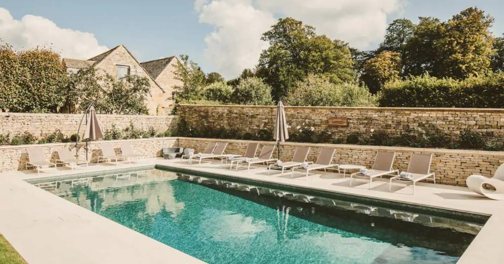 The UK holiday houses to rent with a swimming pool