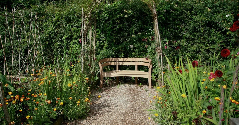 Best Garden Benches Garden Design Ideas House Garden