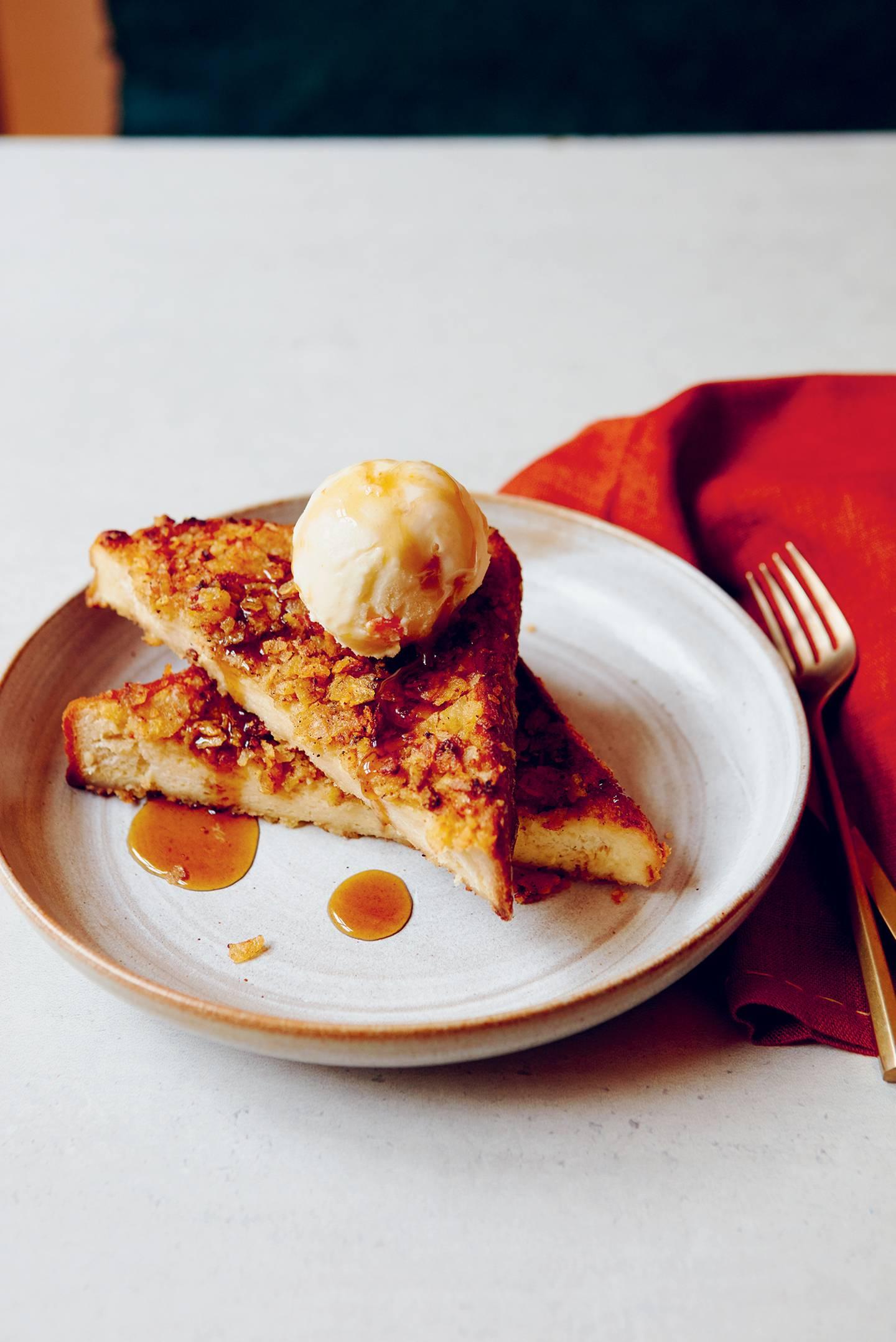Crunchy French toast with mandarin ice cream