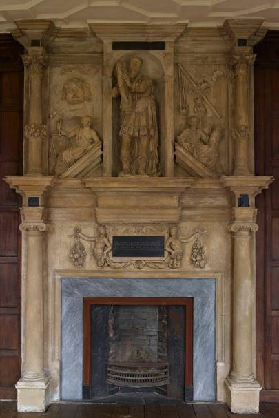 Carved Fireplace - Apethorpe Palace