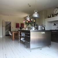 White Tiles & Floorboards