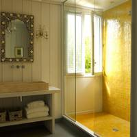 Sunshine yellow shower tiles