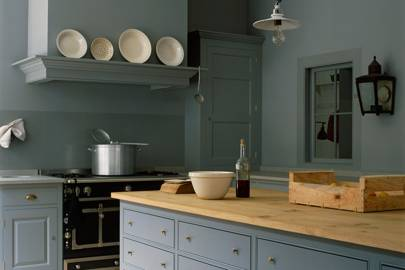 Plain English Charcoal Grey Kitchen