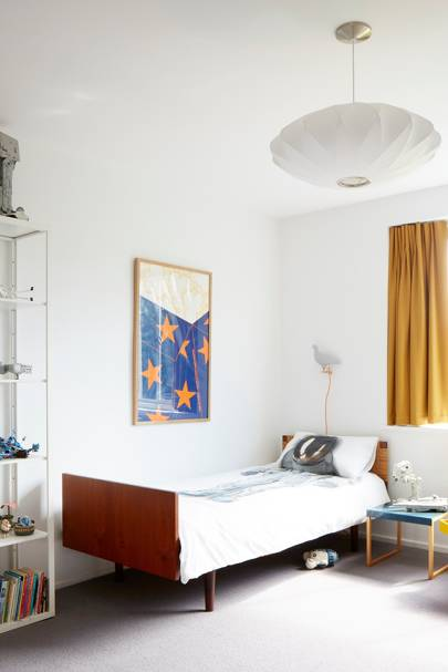 Kid's Bedroom - Modern Colourful Thirties House