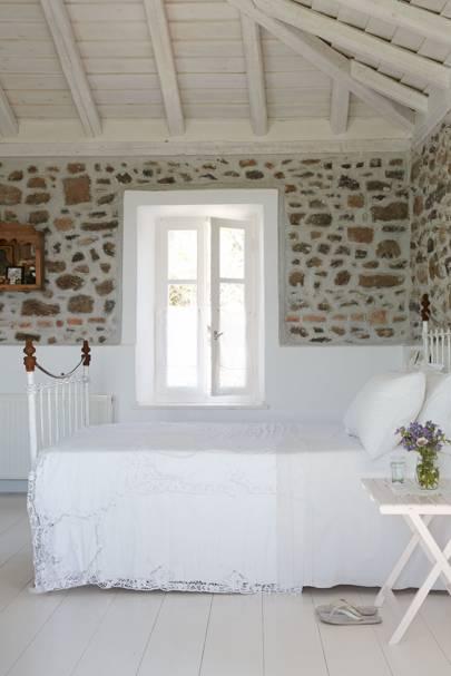 Pretty white bedding