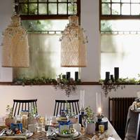 Table idea with greenery and gifts