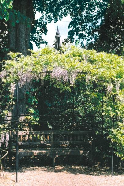 Gothic Topped Bower Achica - Garden Room Designs