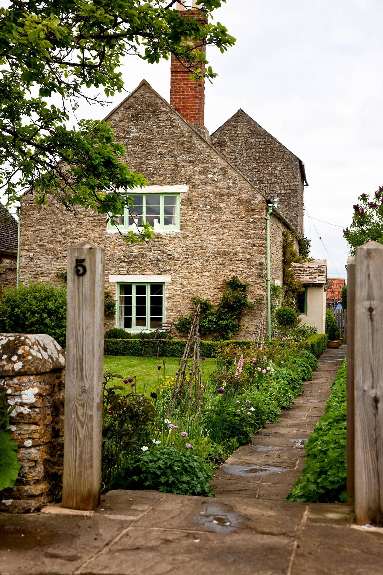 Country Cottage Decoration Uk House Garden