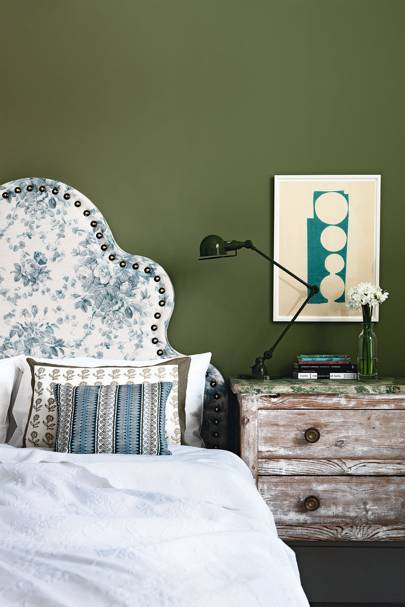Olive Green Bedroom with Floral Headboard | Bedroom Decoration Ideas