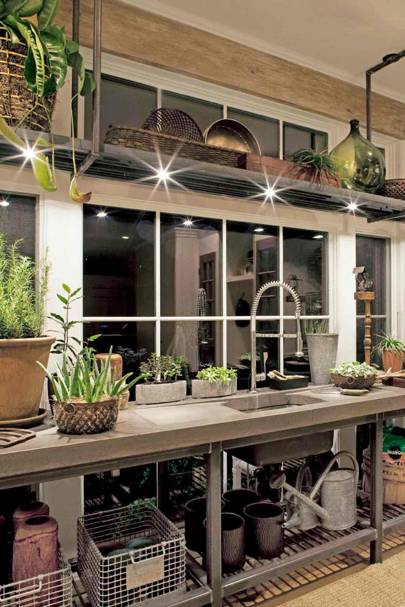 Grill Shelving - Utility Room Ideas