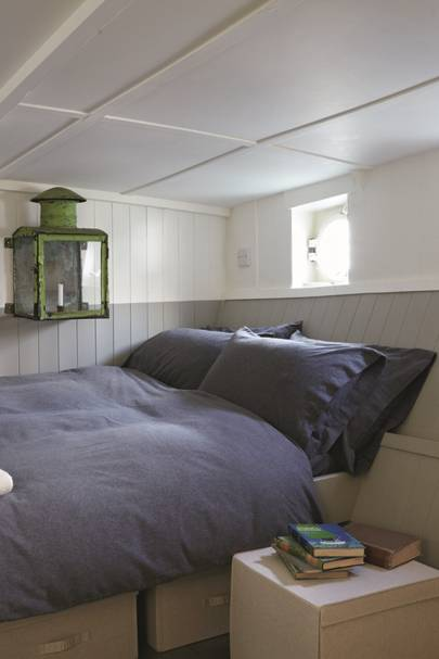 Cabin Bedroom - Katie Fontana Houseboat