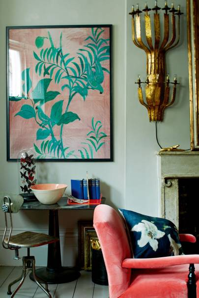 Living room in aqua and coral