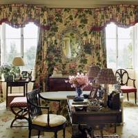 Traditional Chintz bathroom