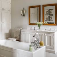 Wood-Panelled Bath