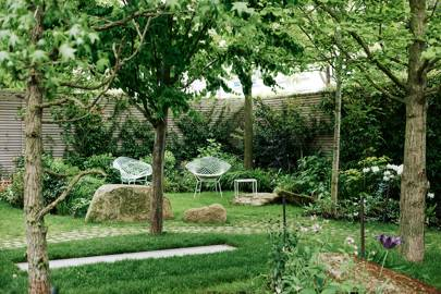 Lush townhouse garden