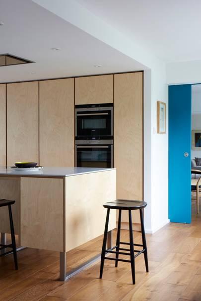 Breakfast Bar - Modern Colourful Thirties House