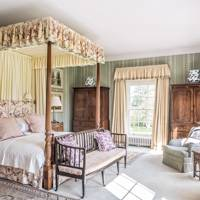 Traditional Country House Bedroom