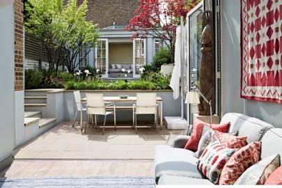 Small garden ideas - image Sarah-Hogan-house-19jun15_SarahHogan_b on https://alldesingideas.com