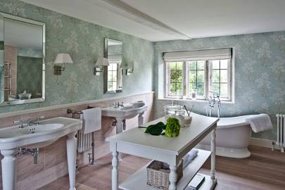 Dorset Manor Bathroom - Emma Sims Hilditch