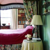 Green Floral Four Poster Bedroom