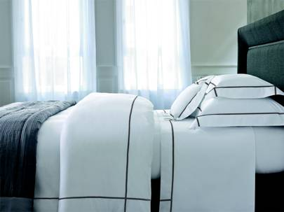 'Athena Platine' bed linen from Yves Delorme