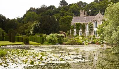 Gresgarth Hall The Garden Of Designer Arabella Lennox Boyd House Garden