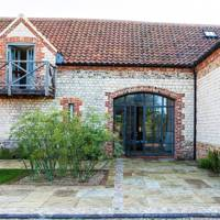 Courtyard - Country Barn Conversion