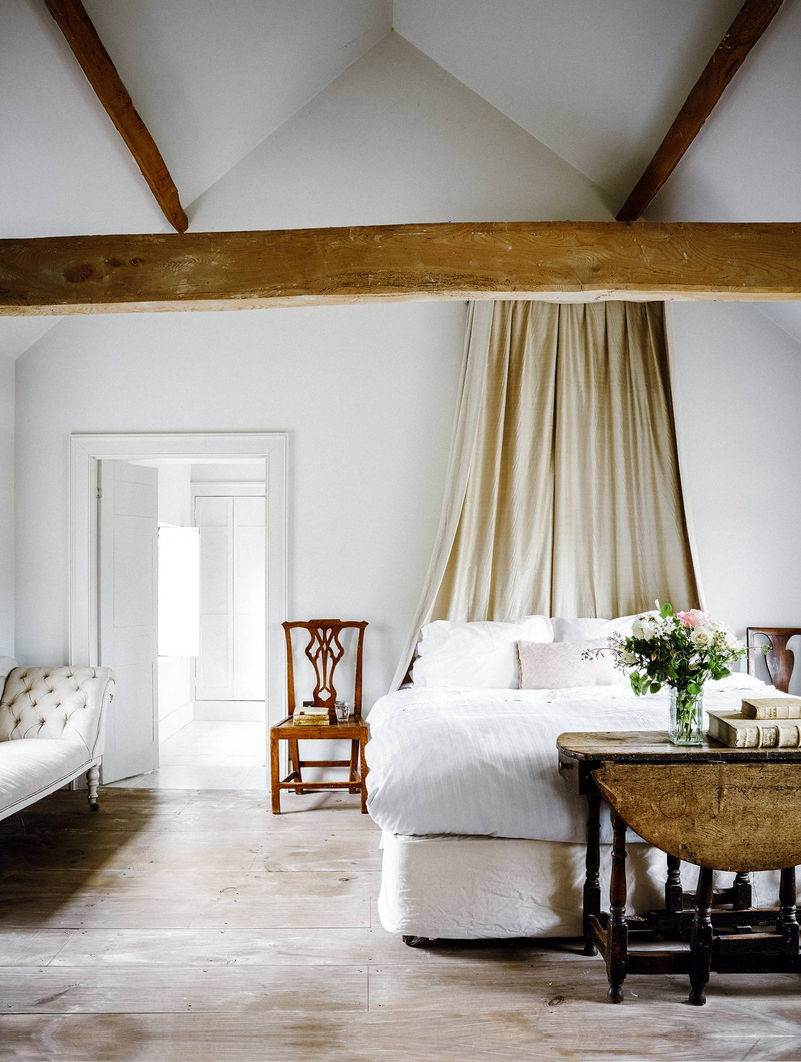 A weavers' cottage lovingly restored | House & Garden on late 19th century house plans, 18th century luxury, 18th century bed, 18th century magazines, 18th century american farmhouses, 18th century floor plans, 18th century classical, 18th century cottage house plans, 18th century france, 18 century victorian house plans, 18th century cape cod house plans, 18th century barn plans, 18th century log cabins, 19th century mansion house plans, 18th century colonial houses, 18th century french estates, 18th century cooking equipment, 18th century living, 18th century house design, 18th century books,