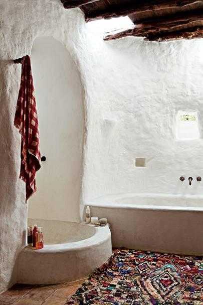 A Bathroom at Rozemarijn de Witte and Pierre Traversie's Home