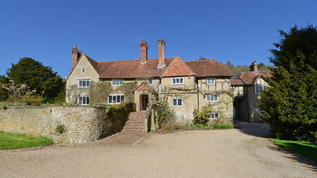 The house where Winston Churchill learnt to paint is available to rent