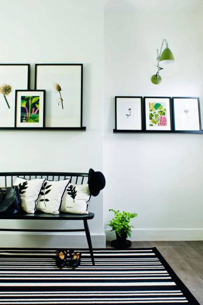 display photos hallway ideas d cor accessories. Black Bedroom Furniture Sets. Home Design Ideas