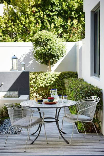 patio and decking ideas for gardens house garden. Black Bedroom Furniture Sets. Home Design Ideas