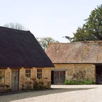 Stables - Restored Georgian House in Somerset