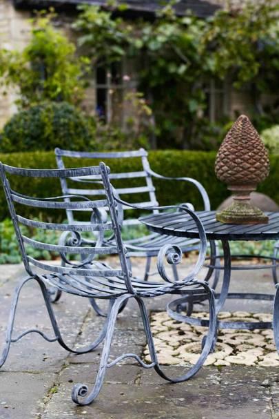 Outdoor Dining Set - Bunny Guinness' Cambridgeshire Garden