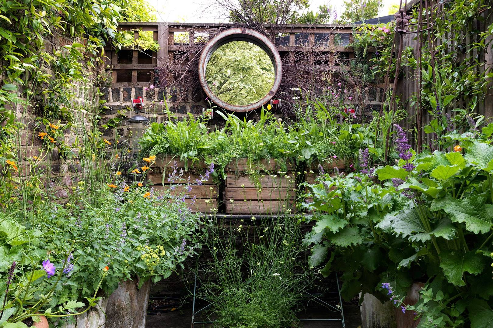 Small Garden Ideas Small Garden Design House Garden