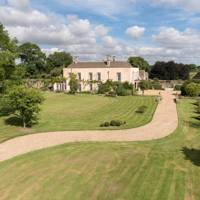 Luckington Court, Luckington