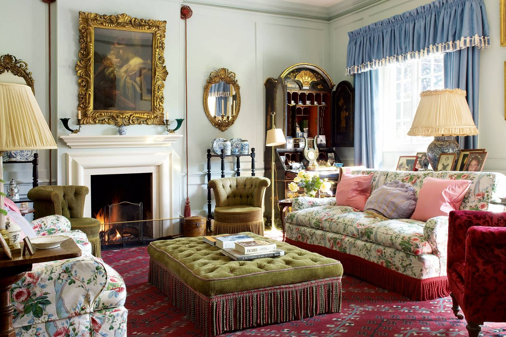 How To Decorate With Chintz House