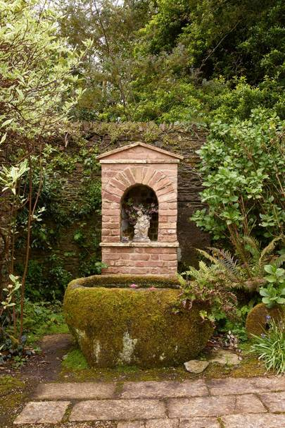 Garden Statue - Traditional Cornwall House