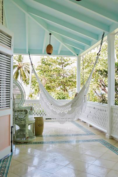 White Porch Hammock | Small Garden Ideas & Design