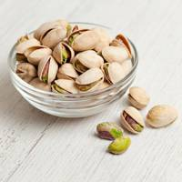 25 Salted Pistachios = 90Kcals