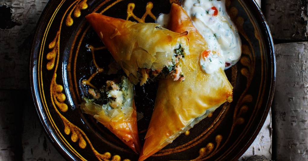 Filo samosas with smoked-salmon, spinach and mascarpone