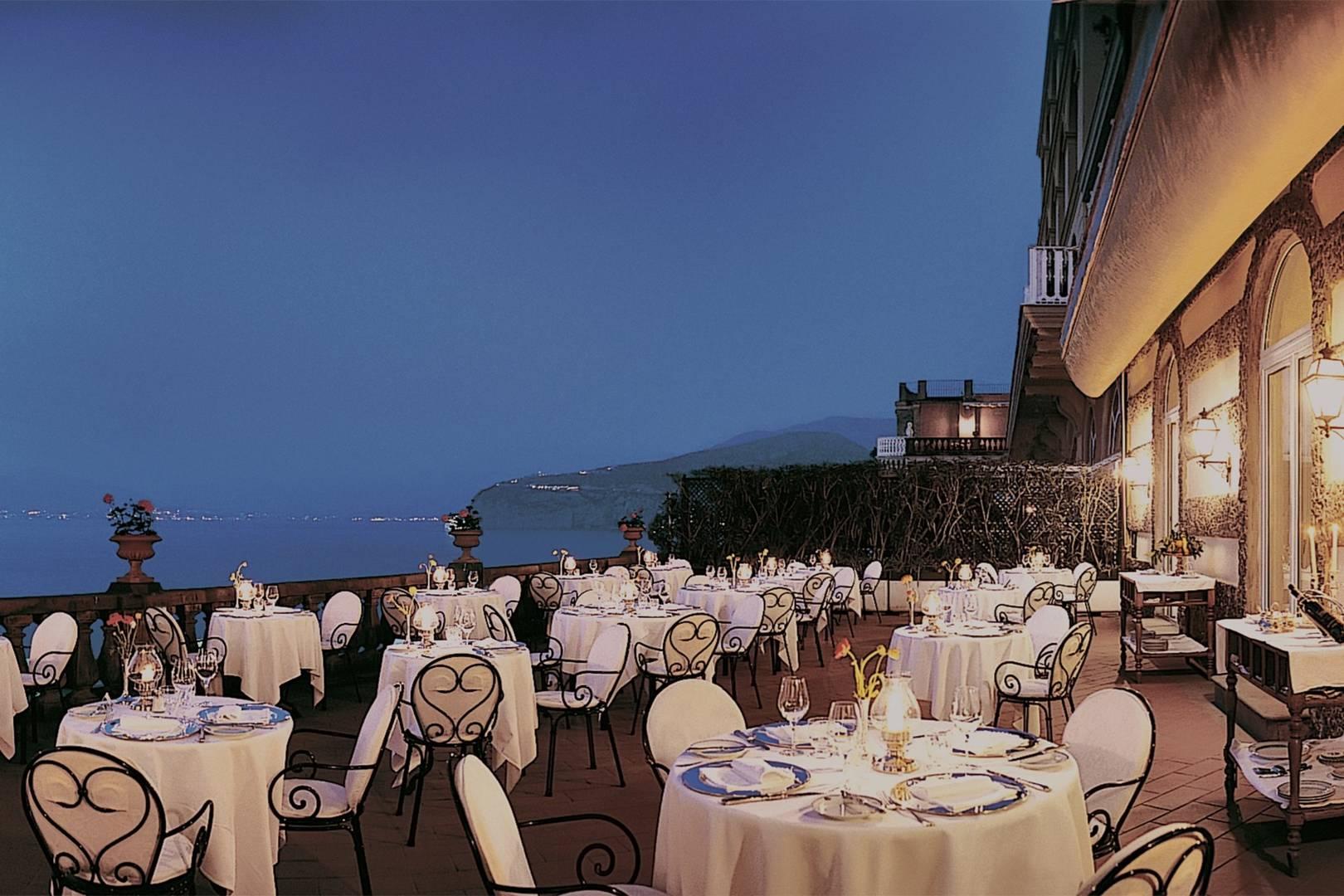 Grand Hotel Excelsior Vittoria Sorrento Hotels House Garden