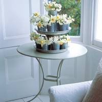 Make an Easy Floral Centrepiece