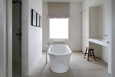 Main Bathroom - Architect's Pale Family Home